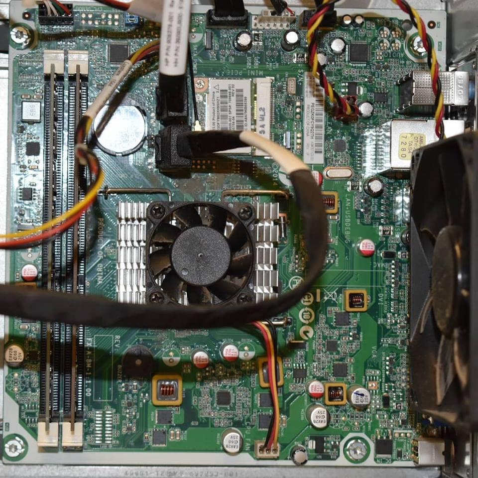 clean desktop computer